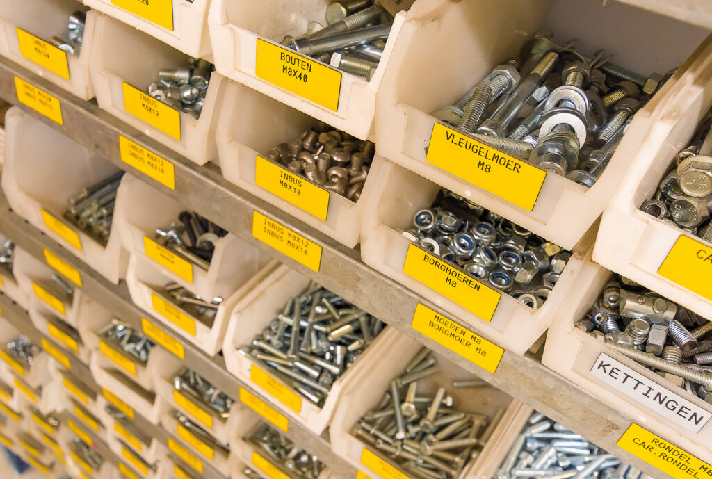 Klein materiaal beheren met labels